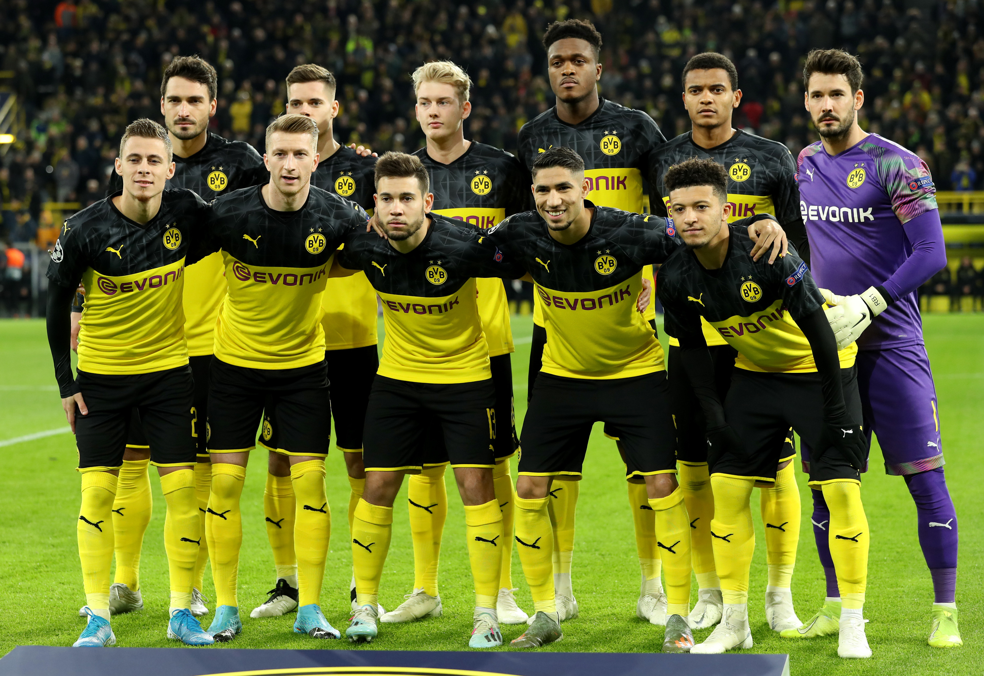 Borussia Dortmund S 3 4 3 Formation An Analysis Of Lucien Favre S System