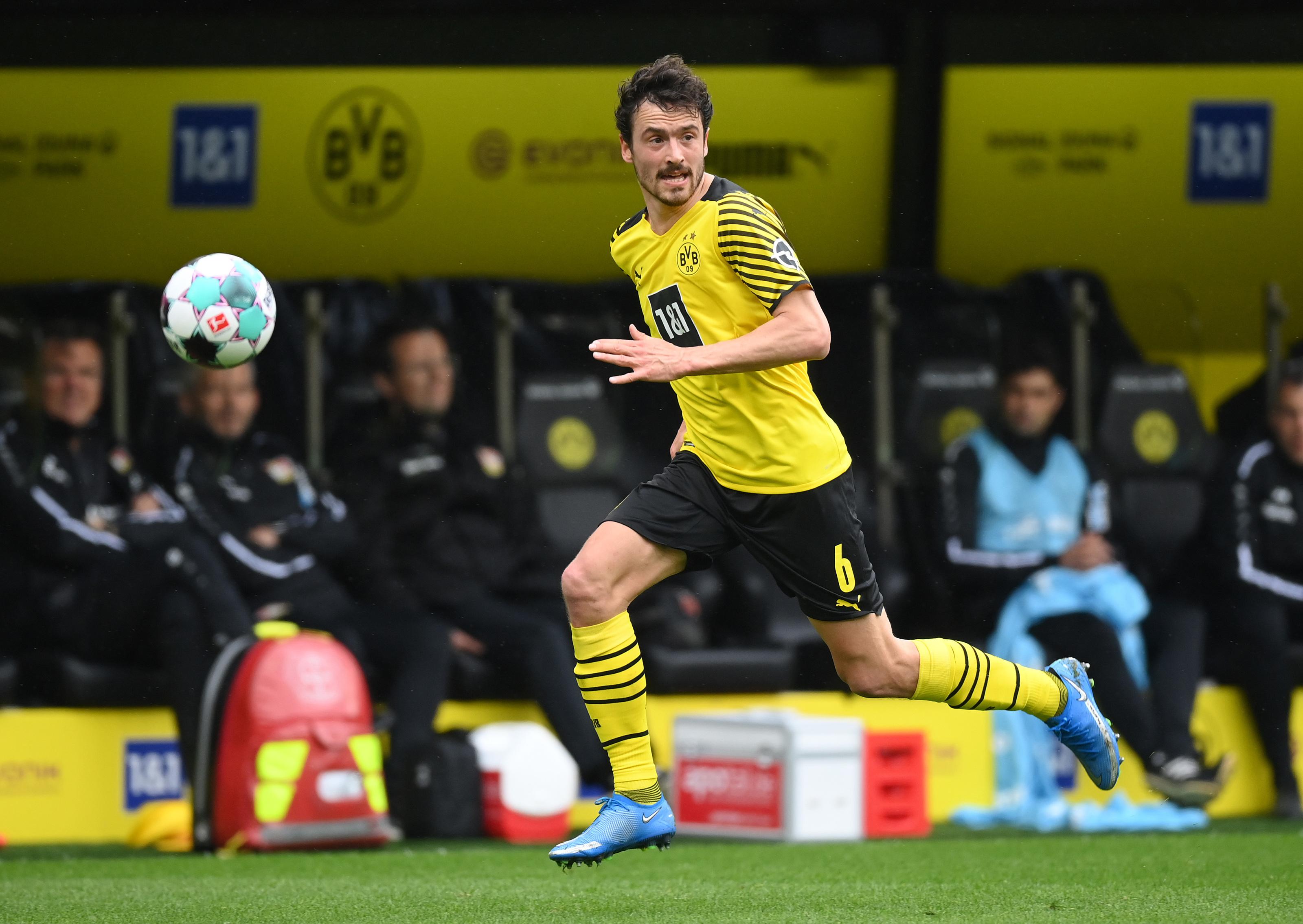 Thomas Delaney happy at Borussia Dortmund but leaves future open