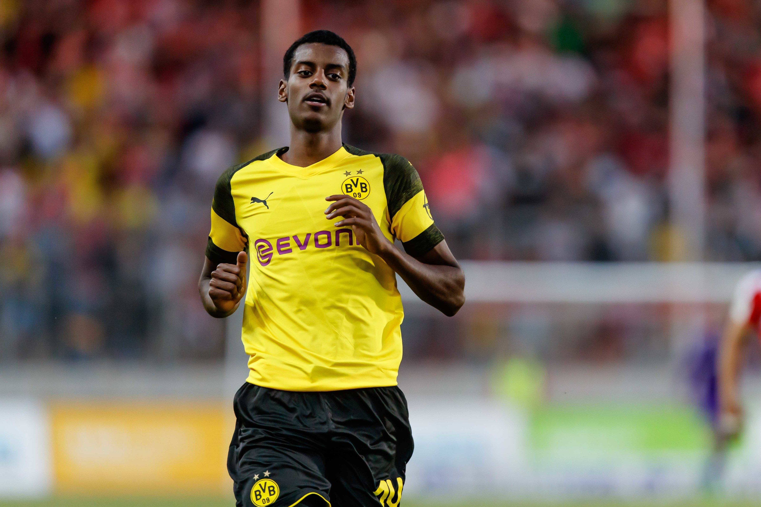 Borussia Dortmund: Alexander Isak- Keep, loan or sell?